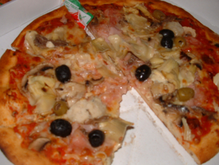 Dour - Pizza 4 saisons (poivrons à la place des anchois) chez Pizza Oscar