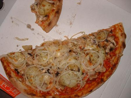 Dour - Pizza Patate (champignons à la place du parmesan) chez Pizza Del Matto